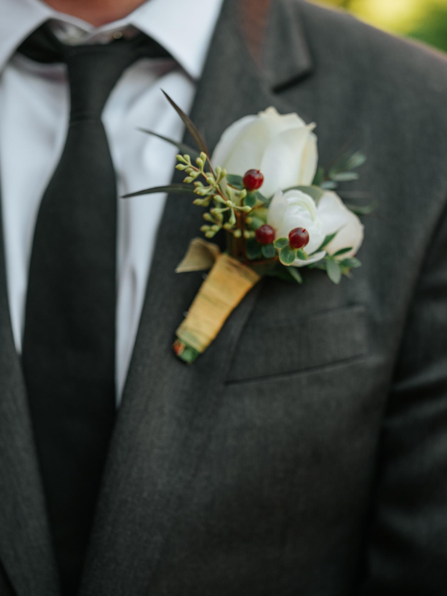 Stolen Glimpses Seattle Wedding Photographers 35.jpg