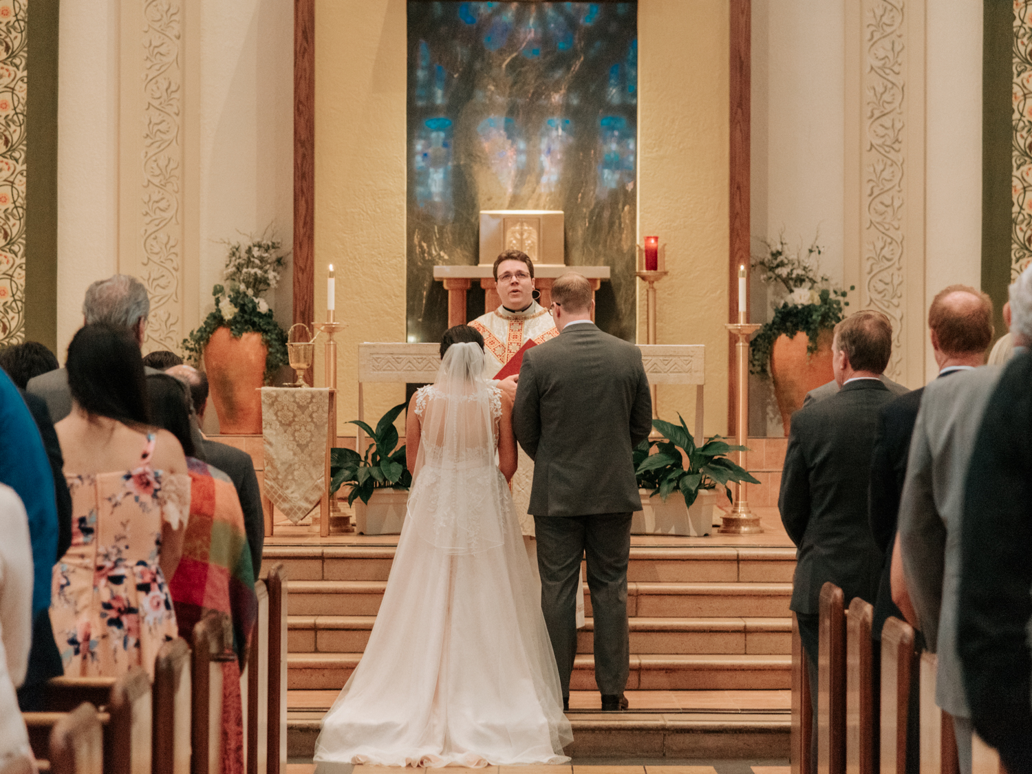 stolen glimpses sanctuary at admiral seattle wedding photographer 12.jpg
