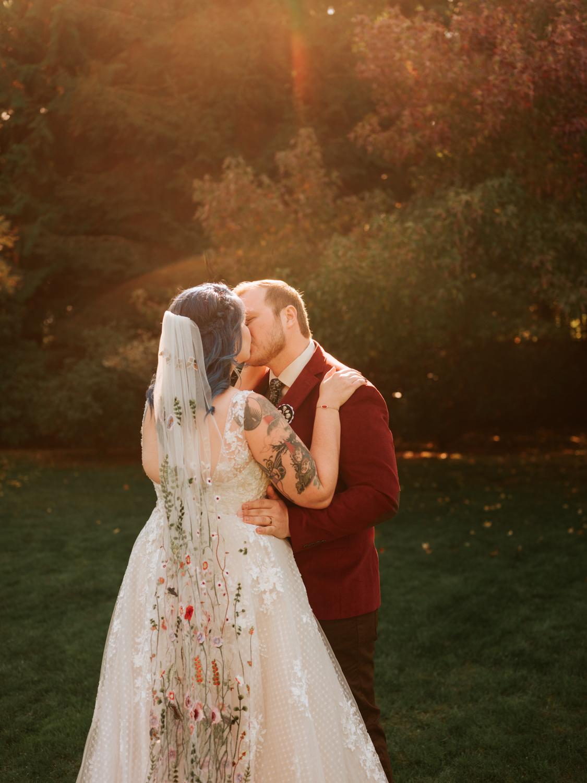 stolen glimpses red cedar farm seattle wedding photographer 07.jpg