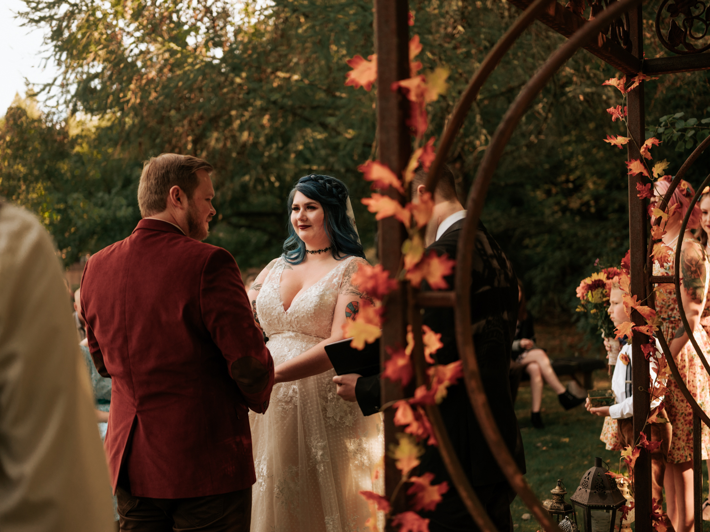 stolen glimpses red cedar farm seattle wedding photographer 19.jpg
