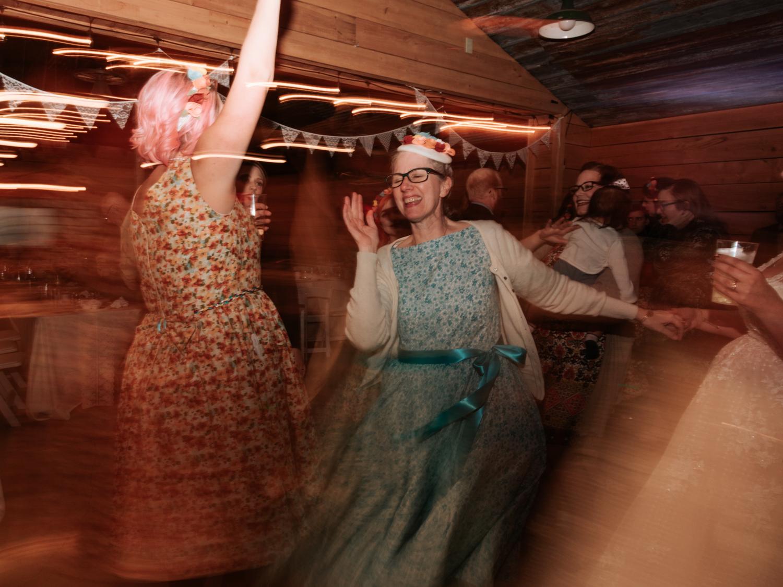 stolen glimpses red cedar farm seattle wedding photographer 25.jpg