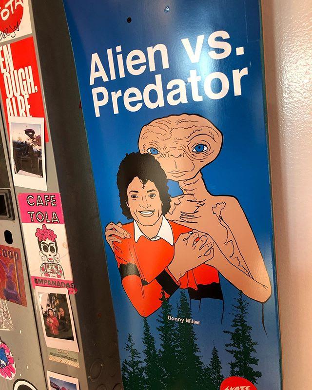 Death came early... LMFAO at @cafetola 🤣😂 💀 . . . #Et #extraterrestrial #michaeljackson #alien #predator #AlienVsPredator #skate #donnymiller #shape #illustration