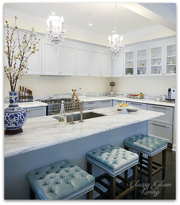 Giving a Builder's Kitchen a Personal Touch with Cabinet Hardware | New House Kitchen Update Glass Knobs & Bronze Pulls Before Photo | Classy Glam Living 5