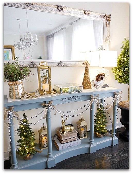 Mixed Metallics Christmas Decorations dining room console table sideboard | Classy Glam Living