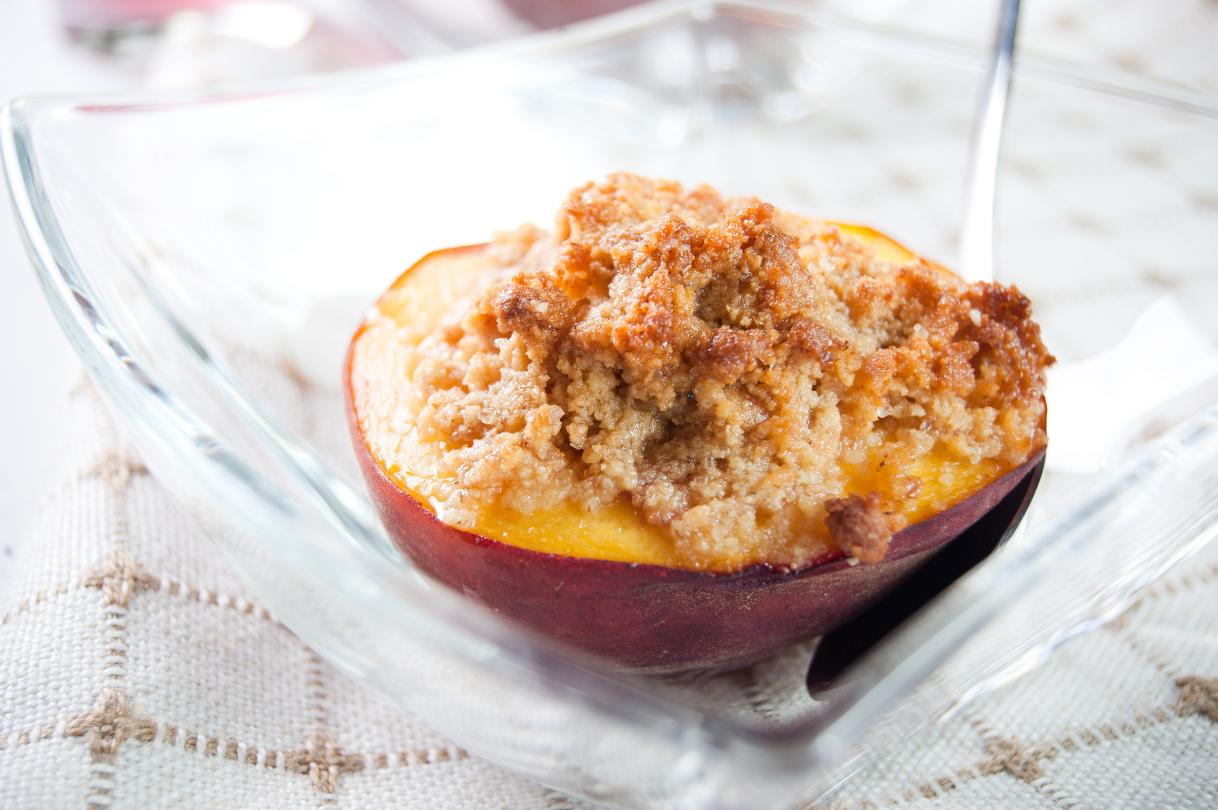 Baked Peach with Cookie Crumble