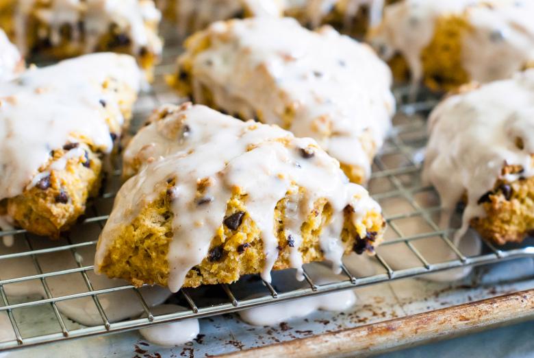 pumpkin-spice-chocolate-chip-scones-08.jpg