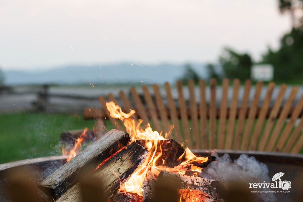 There's something about sitting around the fire in the evening, talking, roasting marshmallows, listening to music. Your guests will love it!