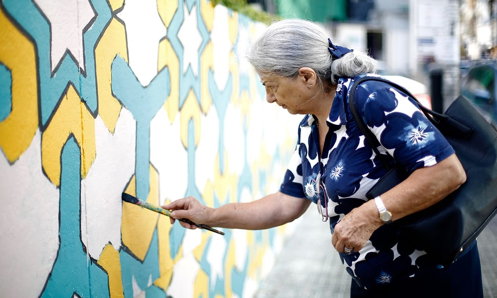 The group involves everyone throughout local communities. They usually paint the murals in areas with built up congestion in order to promote this different way of life within the city.   Source:  https://www.theguardian.com/cities/gallery/2017/jun/15/beirut-bike-street-art-chain-effect-in-pictures