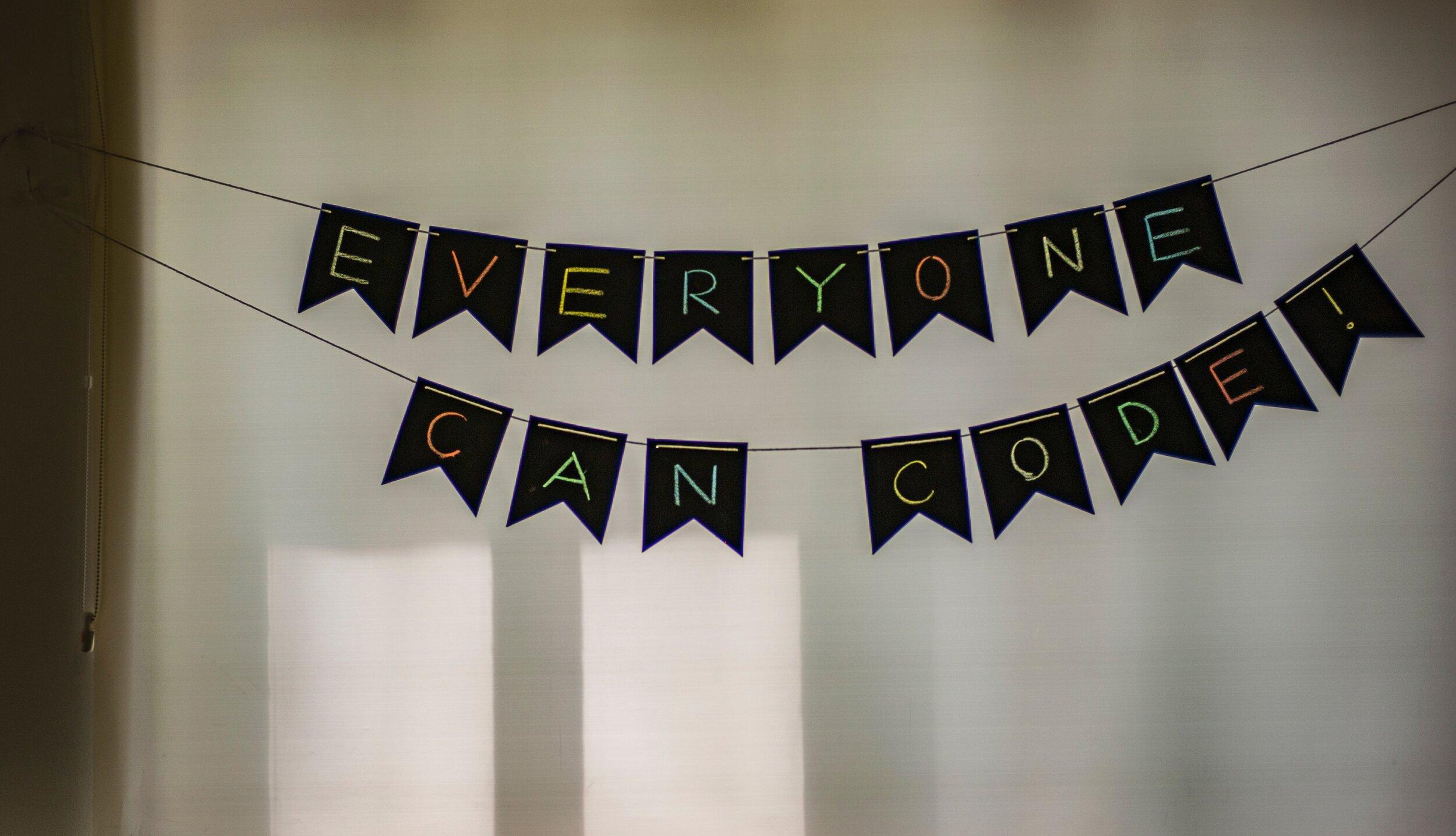 Jeder kann EA-Programmieren lernen - auch Sie! (Foto: Adi Goldstein/Unsplash)