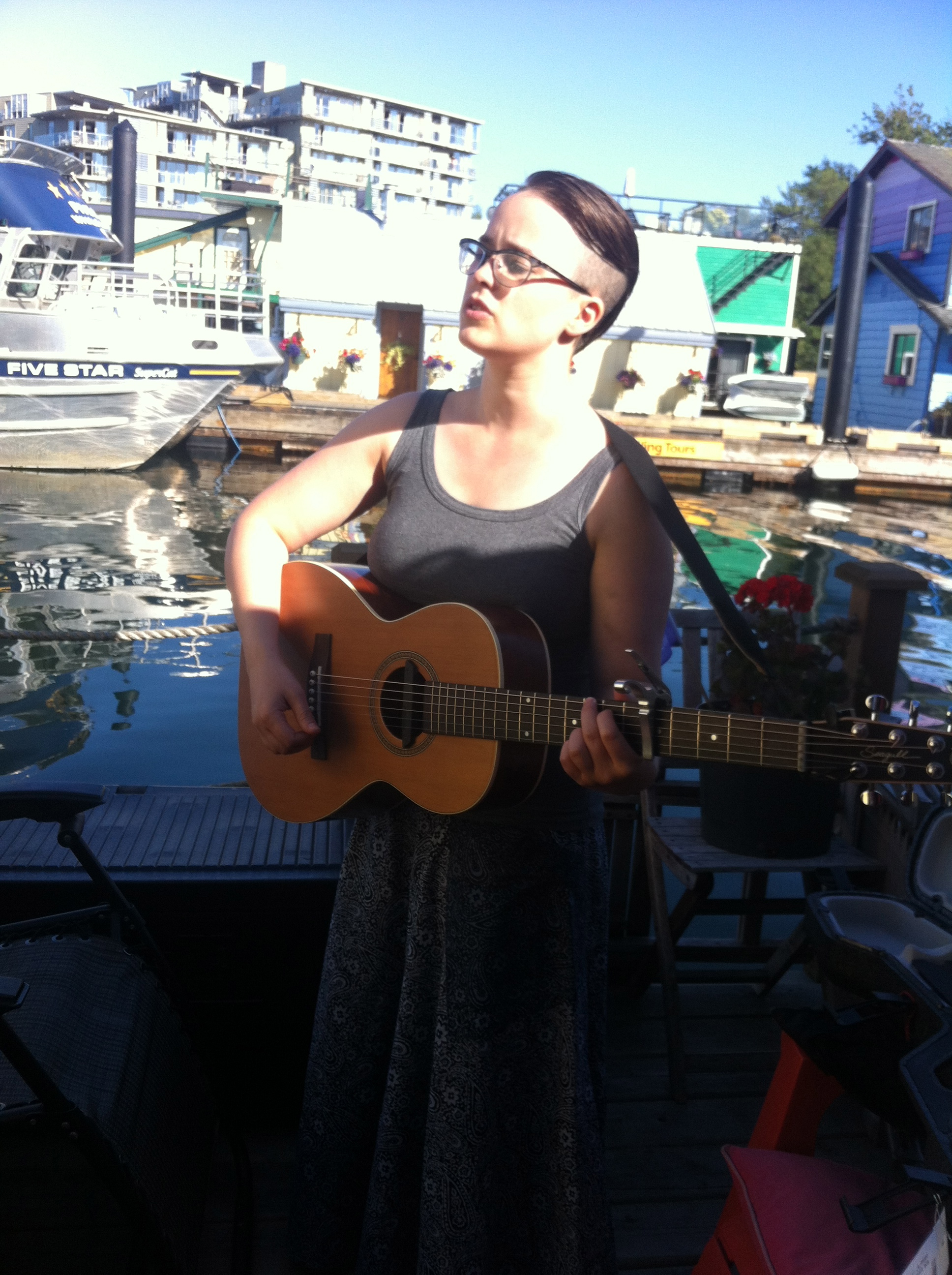 Singing on a floating house in Victoria! Floating houses are the best!!!