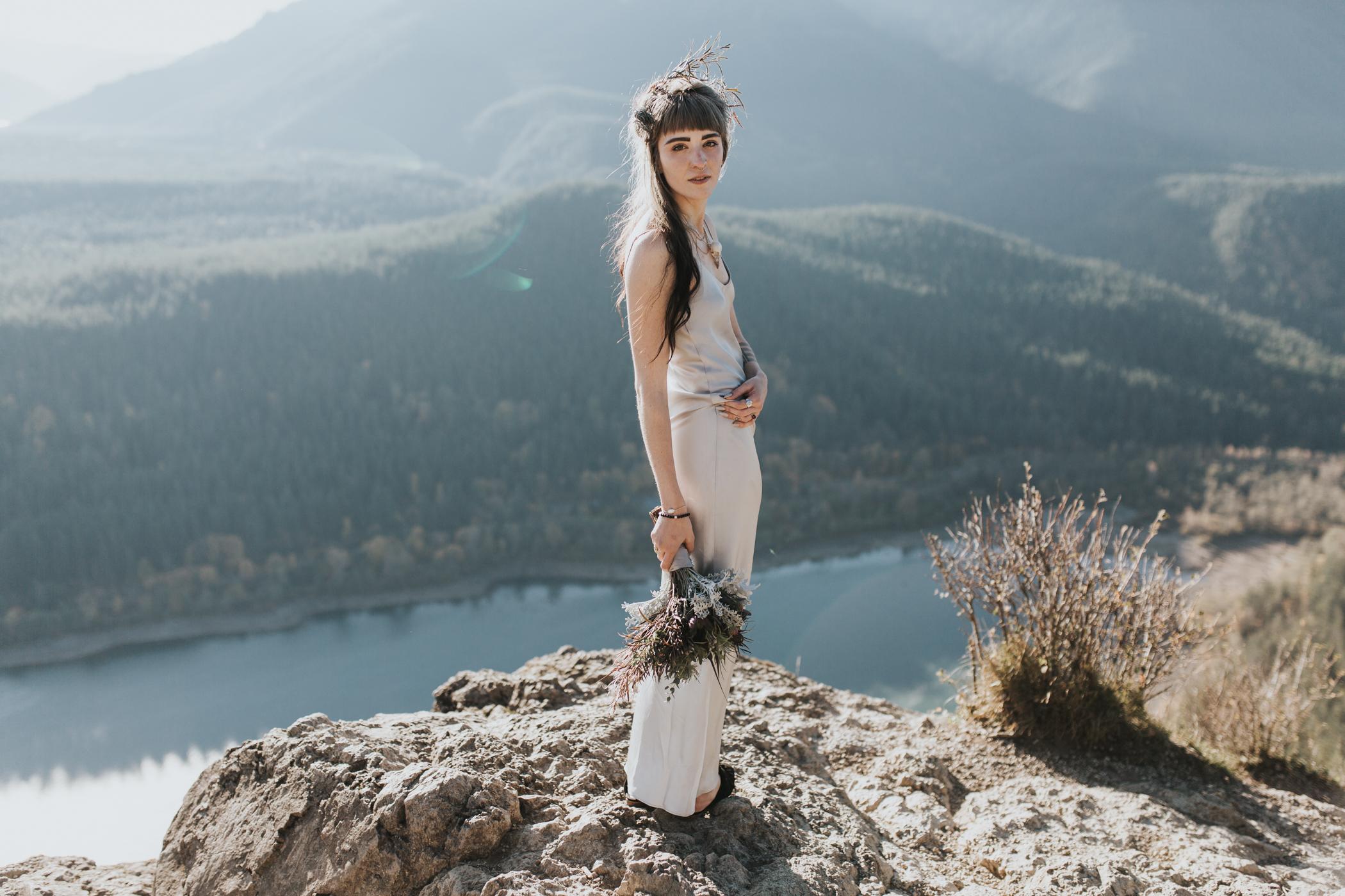 Rattlesnake Ledge Seattle Wedding Photographer