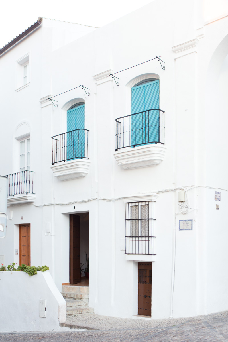 Almost every facade in Arcos is ridiculously picturesque