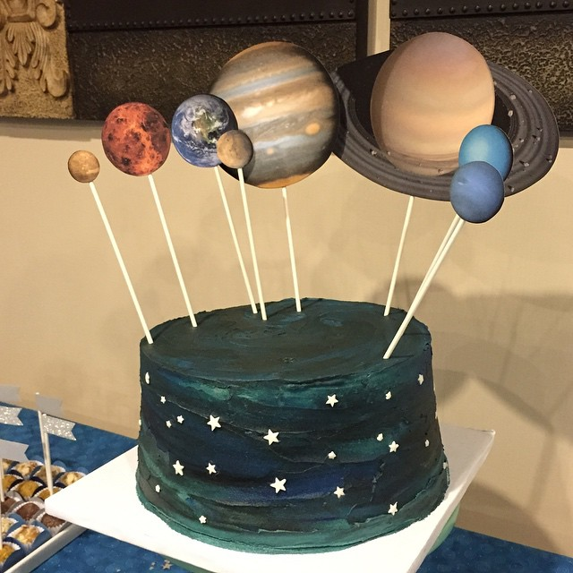 This cake is out of this world! By #estelamesquita; brigadeiros by @brigadeironyc . Celebrating the 70th birthday of a physicist who loves the outer space! #pretapartay #birthdayideas