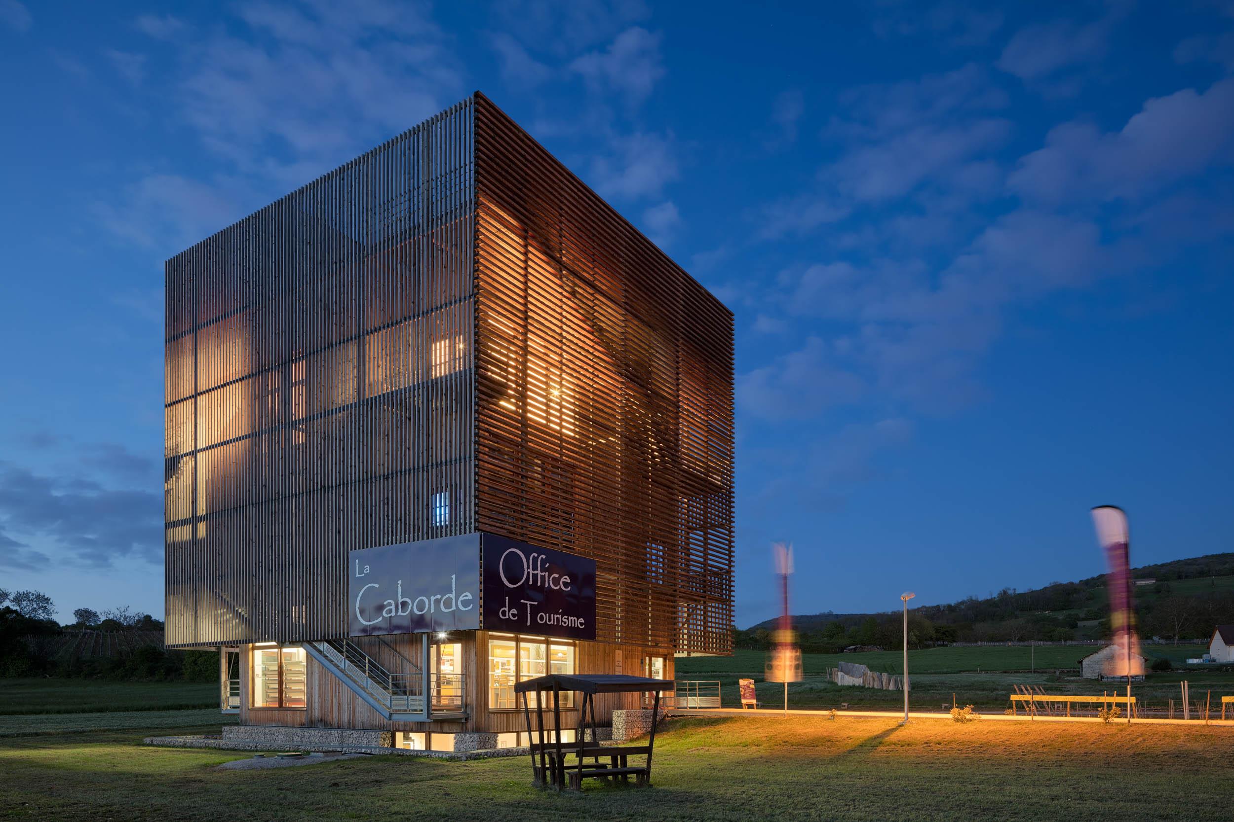 La Caborde, Aire viti-culturelle - Orbagna  Reichardt et Ferreux architectes