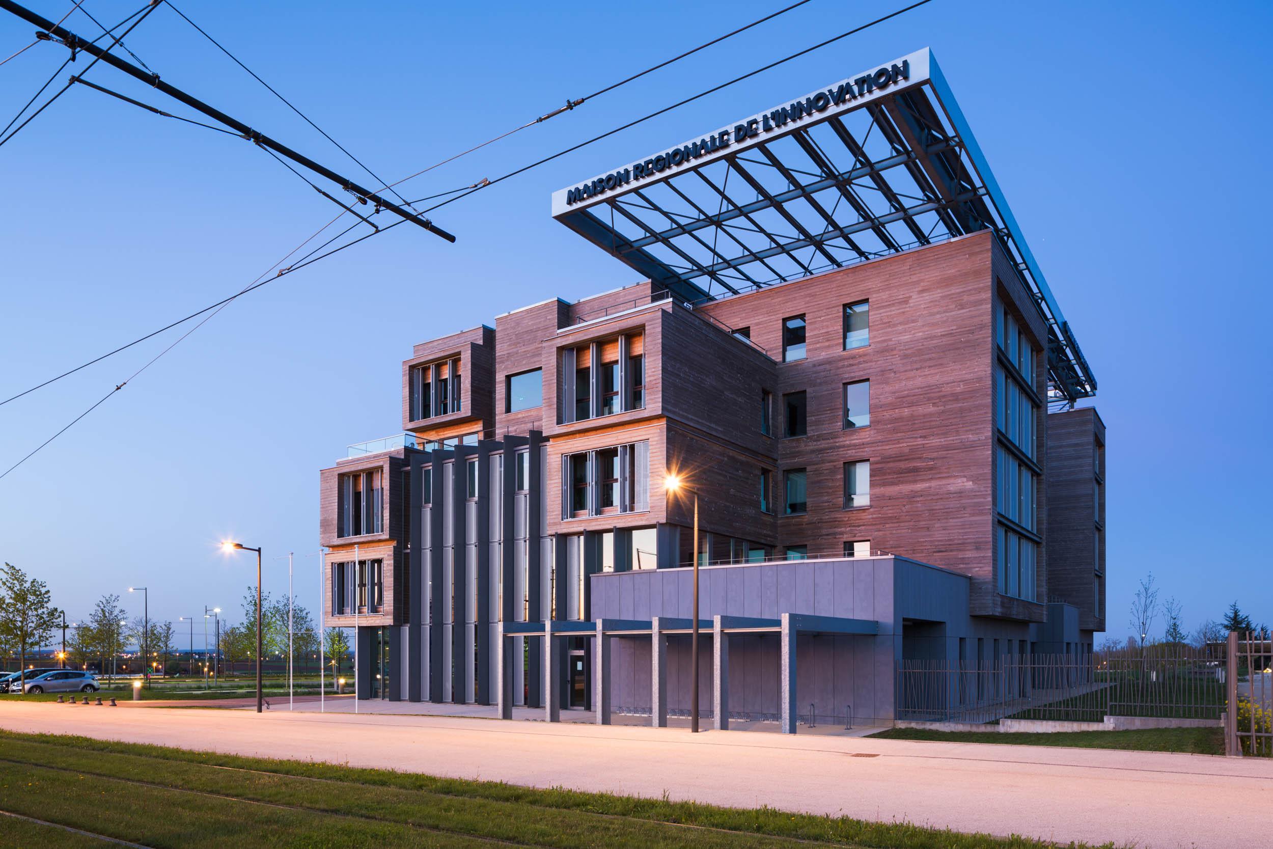 Maison Régionale de l'Innovation - Dijon  Arte Charpentier