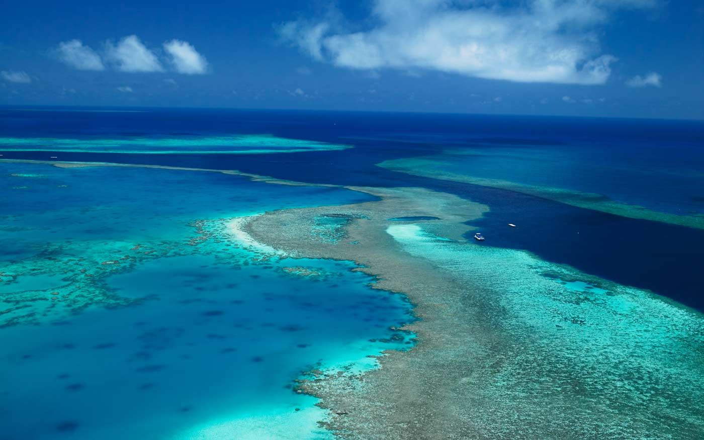 scenery-great-barrier-reef-aerial.jpg