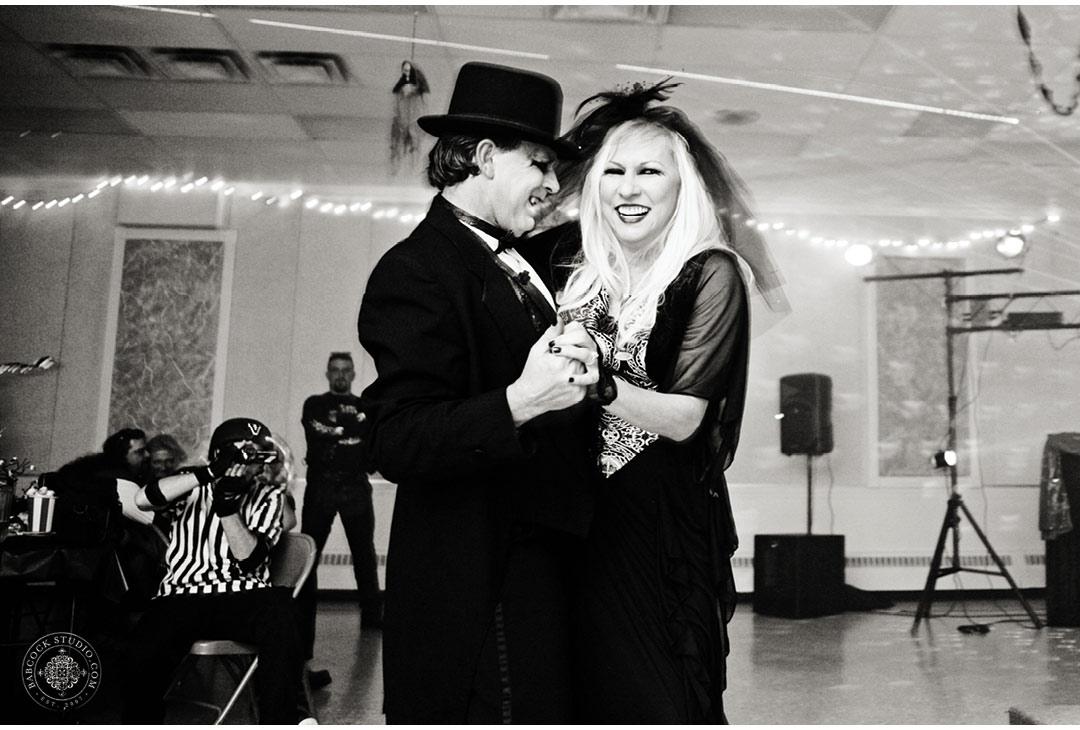 erin-mark-dayton-wedding-halloween-17.jpg
