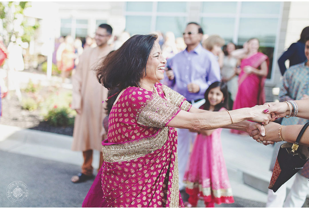 liz-nupur-indian-hindu-dayton-wedding-photography-6.jpg