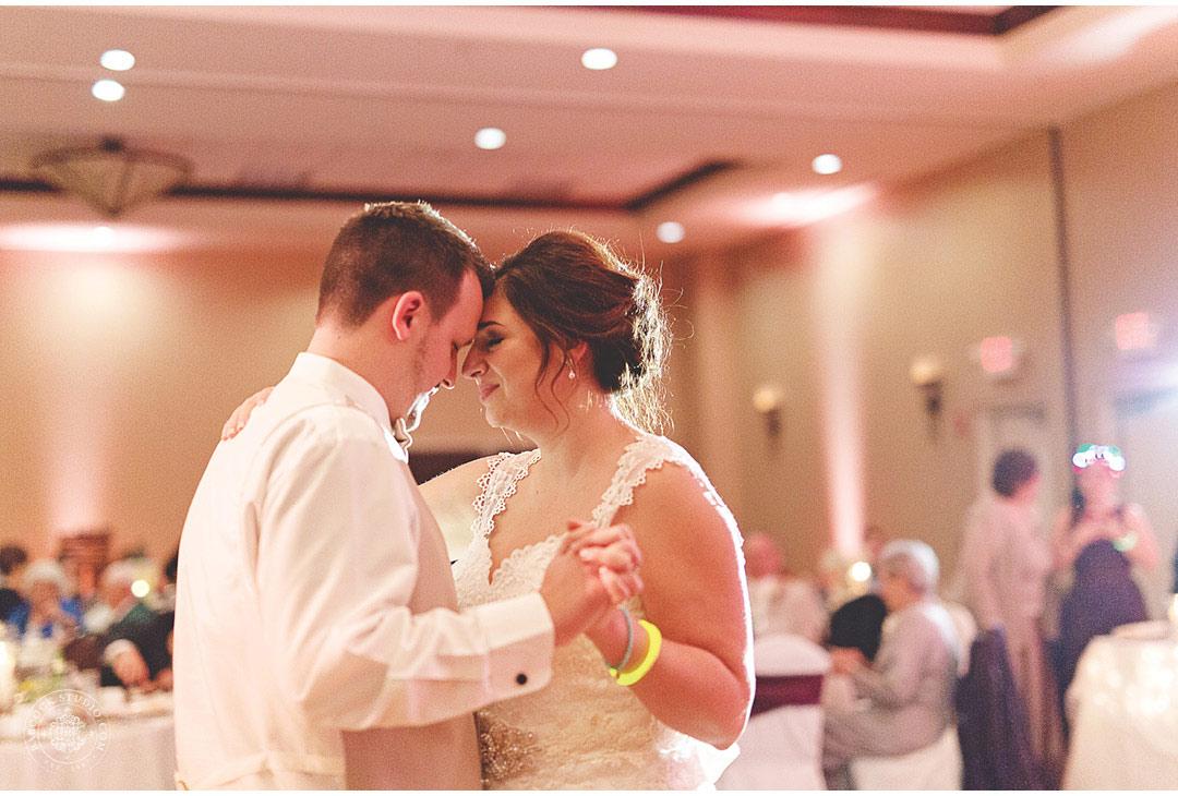 0050_sarah-john--dayton-wedding-photographer-cox-arboretum-50.jpg