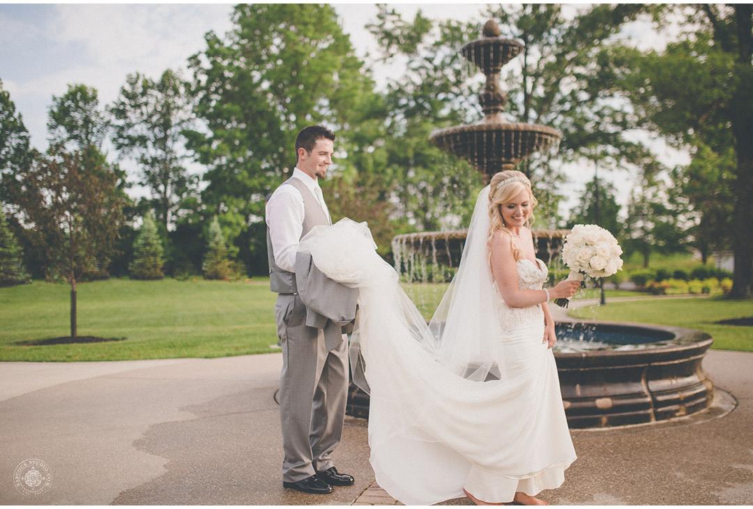 danielle-tyler-wedding-photographer-dayton-ohio-24.jpg