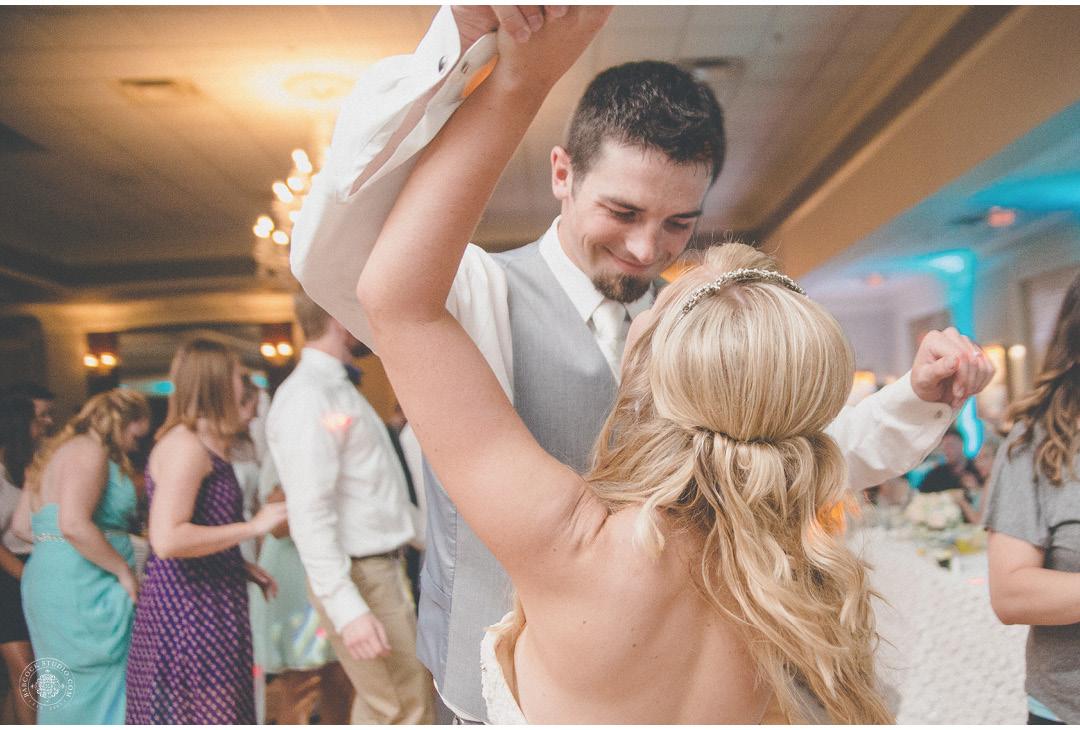 danielle-tyler-wedding-photographer-dayton-ohio-43.jpg