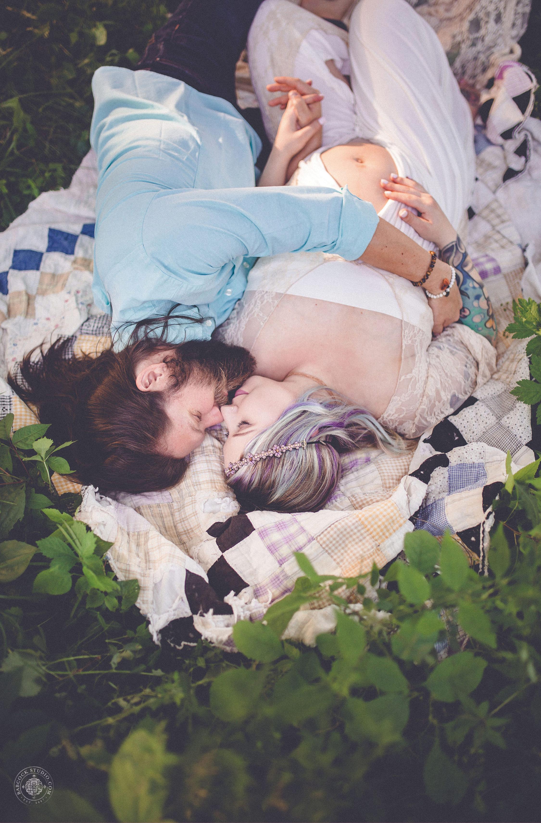 rachel-matt-maternity-pregnancy-photographer-dayton-ohio-3.jpg