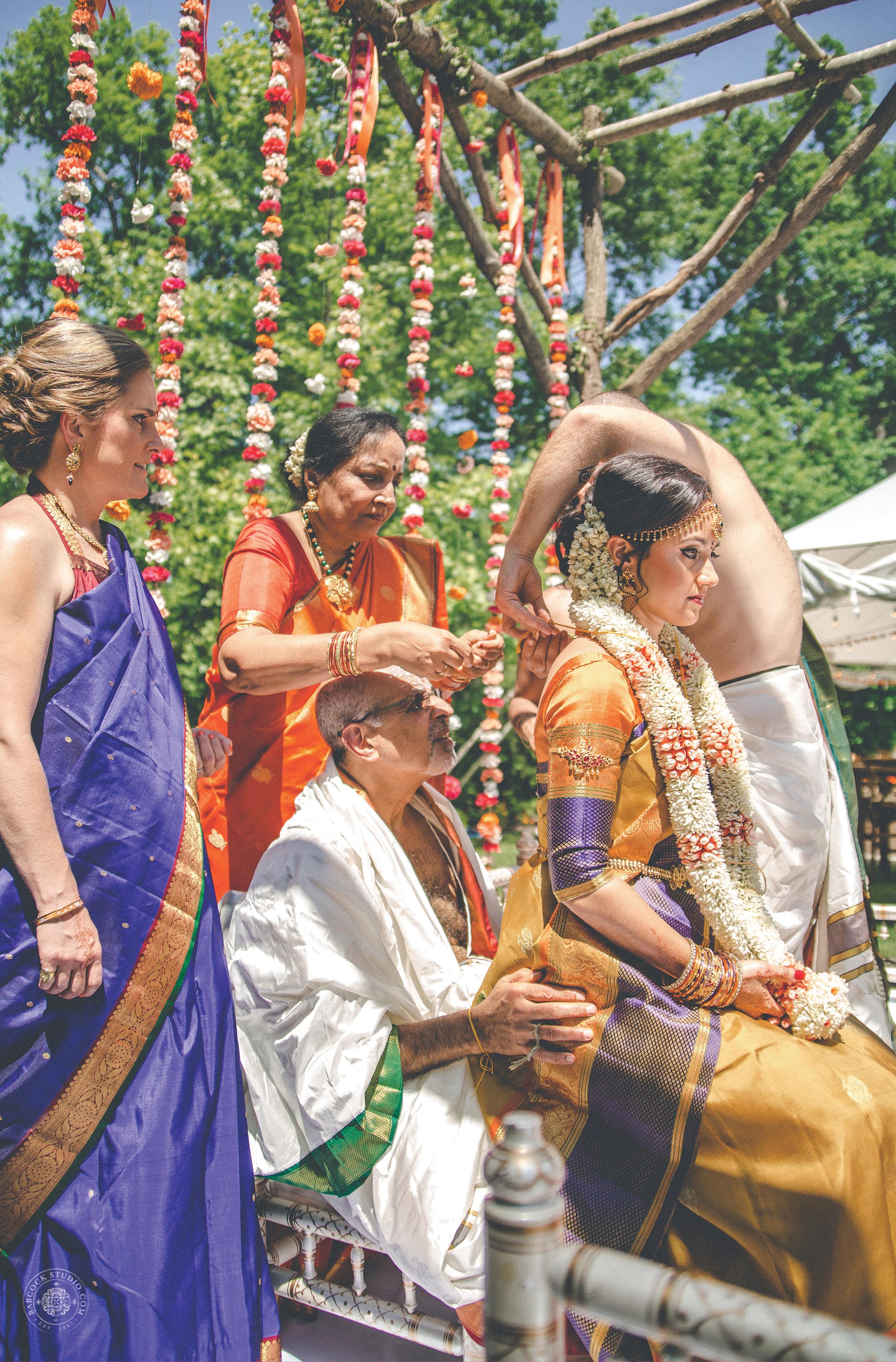 2anusha-andrew-indian-columbus-wedding-photographer-dayton-ohio-22.jpg