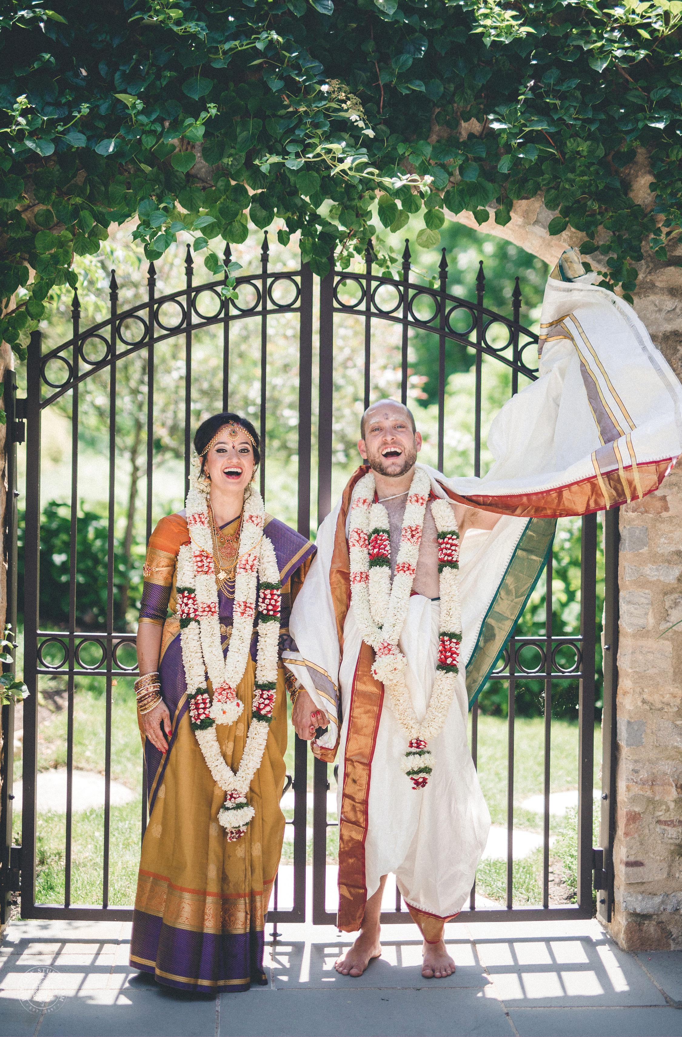 2anusha-andrew-indian-columbus-wedding-photographer-dayton-ohio-27.jpg