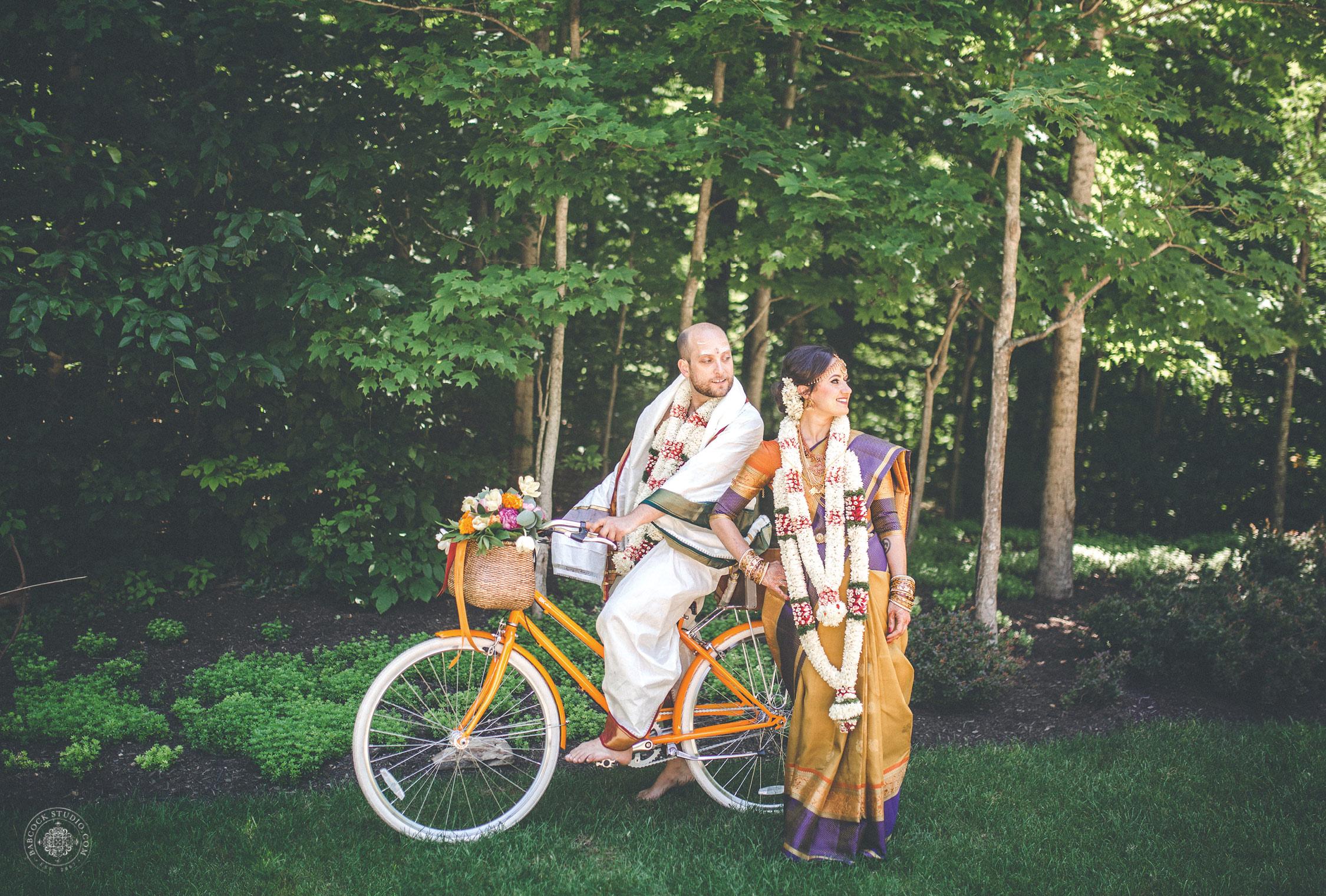 2anusha-andrew-indian-columbus-wedding-photographer-dayton-ohio-30.jpg