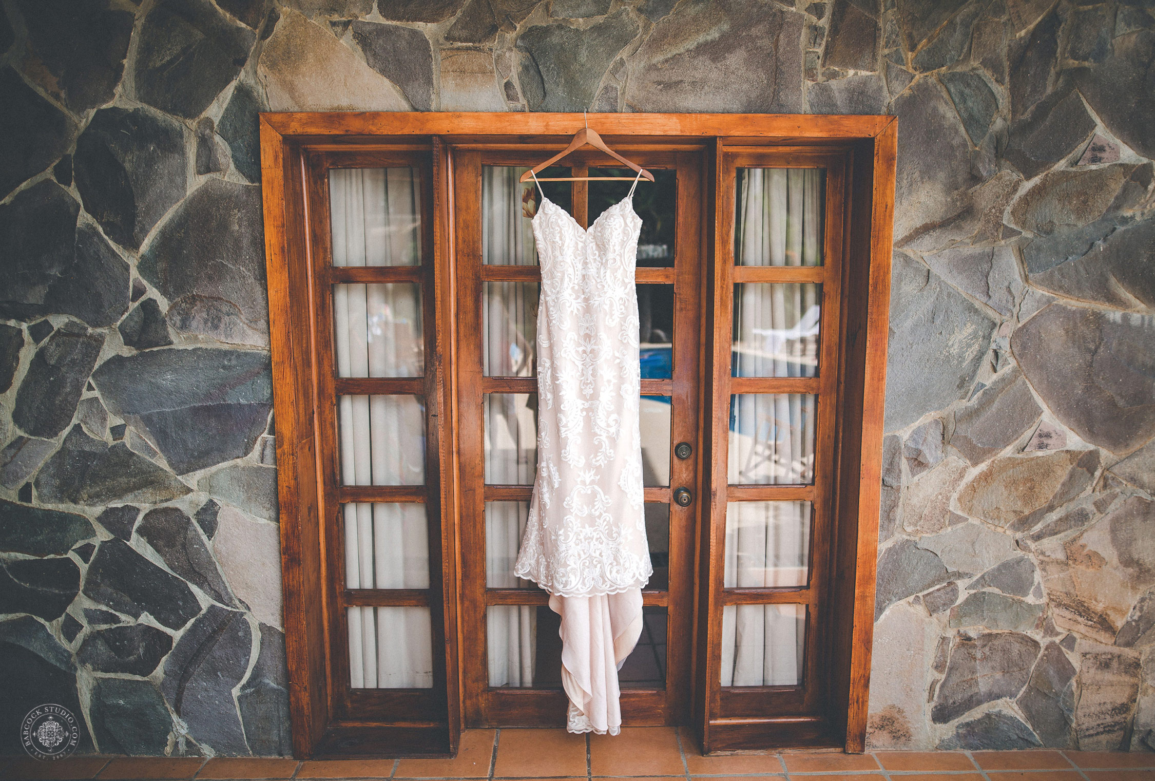 2cat-brandon-costa-rica-destination-wedding-photographer-dayton-ohio-3.jpg