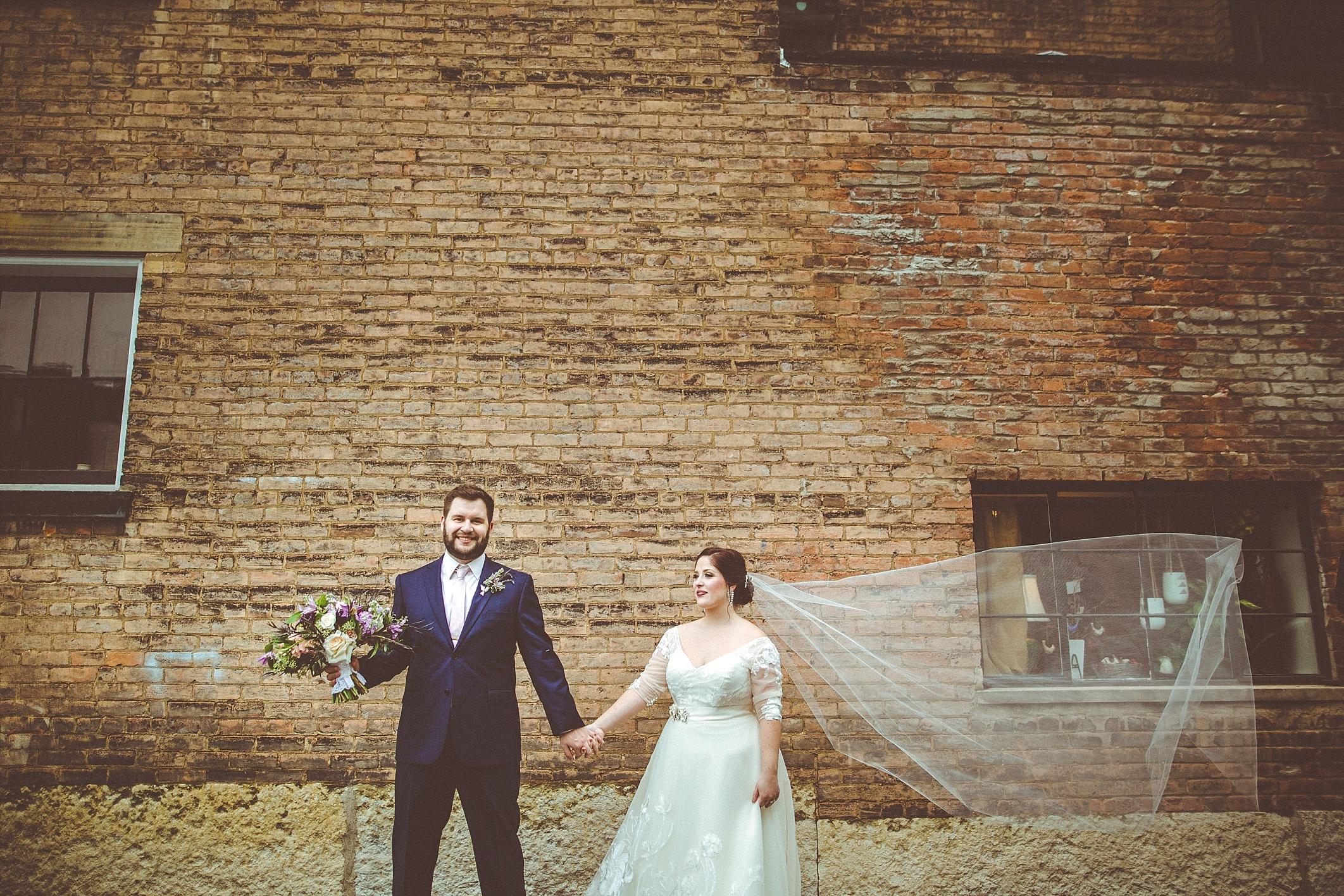 hilary-aaron-cincinnati-trancept-wedding-photographer-dayton-ohio_0021.jpg