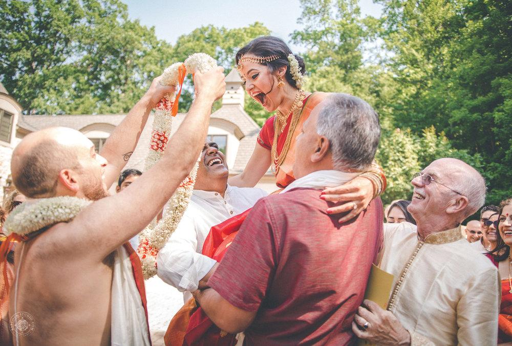 2anusha-andrew-indian-columbus-wedding-photographer-dayton-ohio-8.jpg