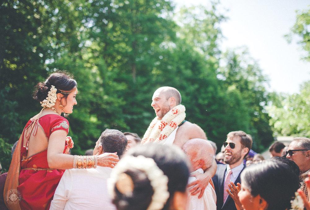 2anusha-andrew-indian-columbus-wedding-photographer-dayton-ohio-9.jpg