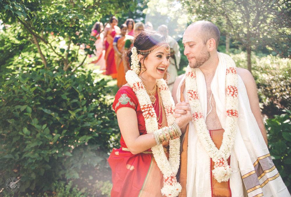 2anusha-andrew-indian-columbus-wedding-photographer-dayton-ohio-10.jpg
