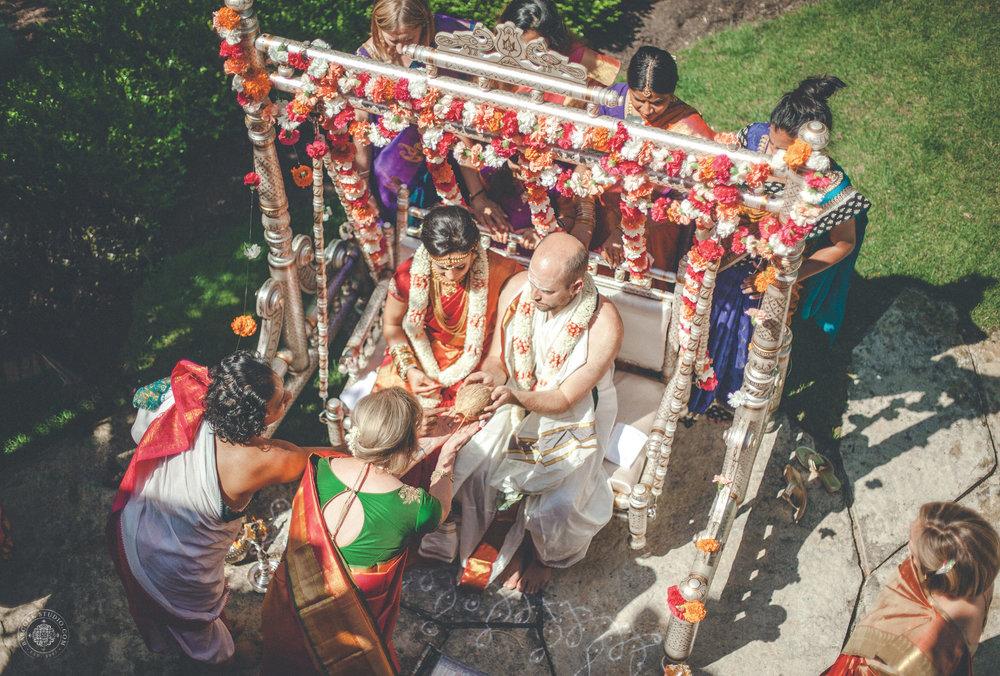 2anusha-andrew-indian-columbus-wedding-photographer-dayton-ohio-11.jpg