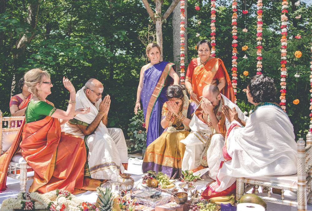 2anusha-andrew-indian-columbus-wedding-photographer-dayton-ohio-23.jpg