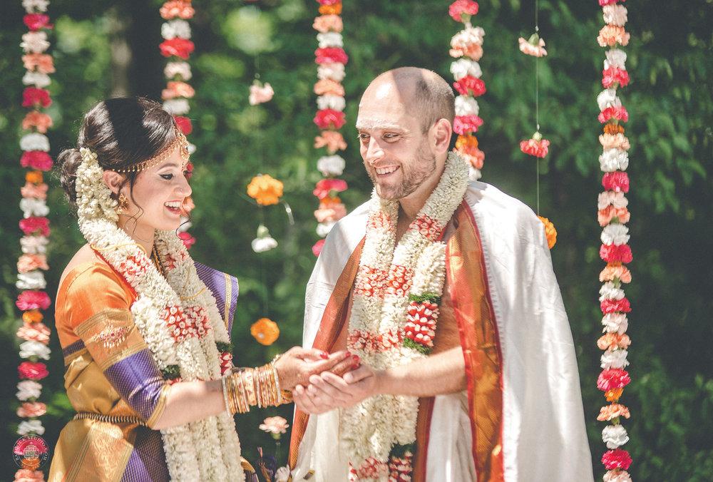2anusha-andrew-indian-columbus-wedding-photographer-dayton-ohio-24.jpg