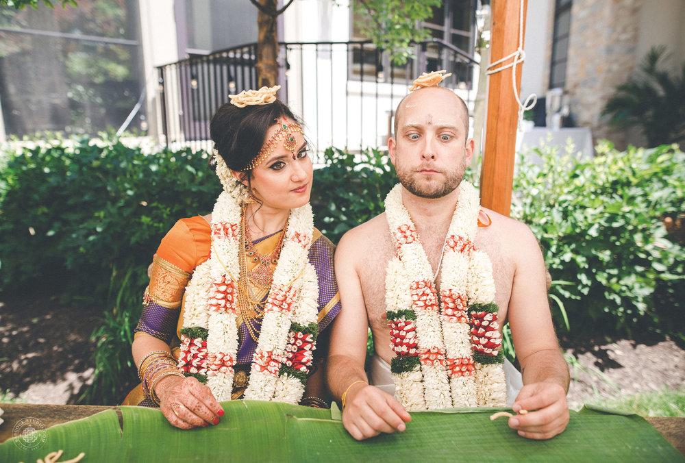 2anusha-andrew-indian-columbus-wedding-photographer-dayton-ohio-35.jpg
