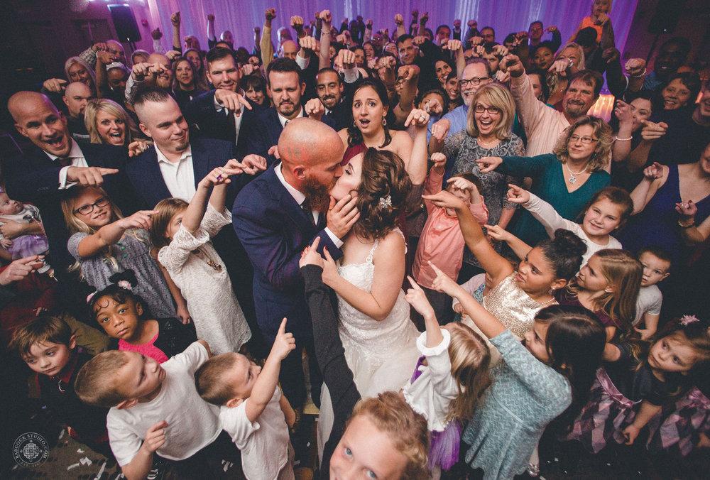 katie-jeff-wedding-photographer-dayton-ohio-31.jpg