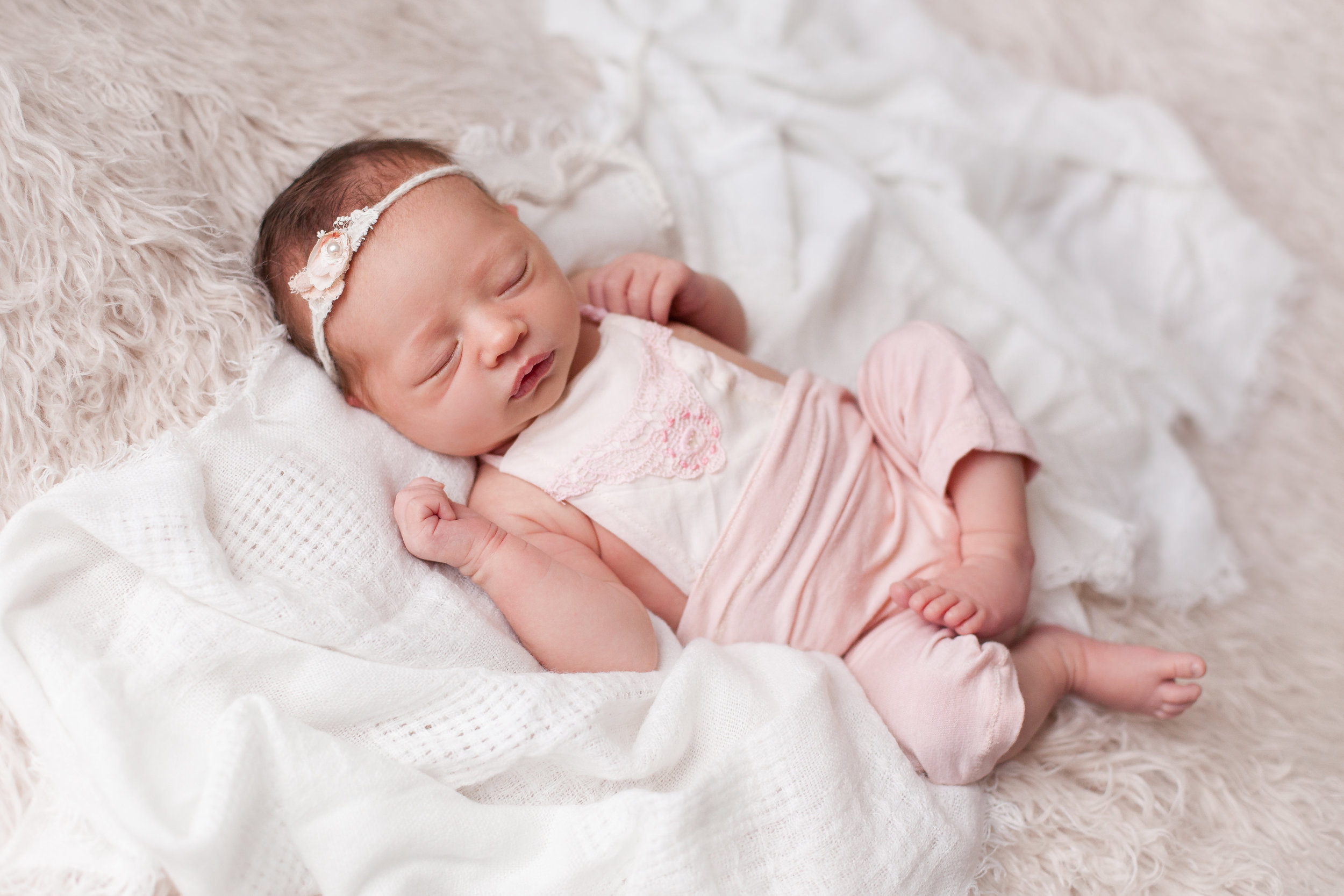 Lilly Newborn 2015-0025.jpg