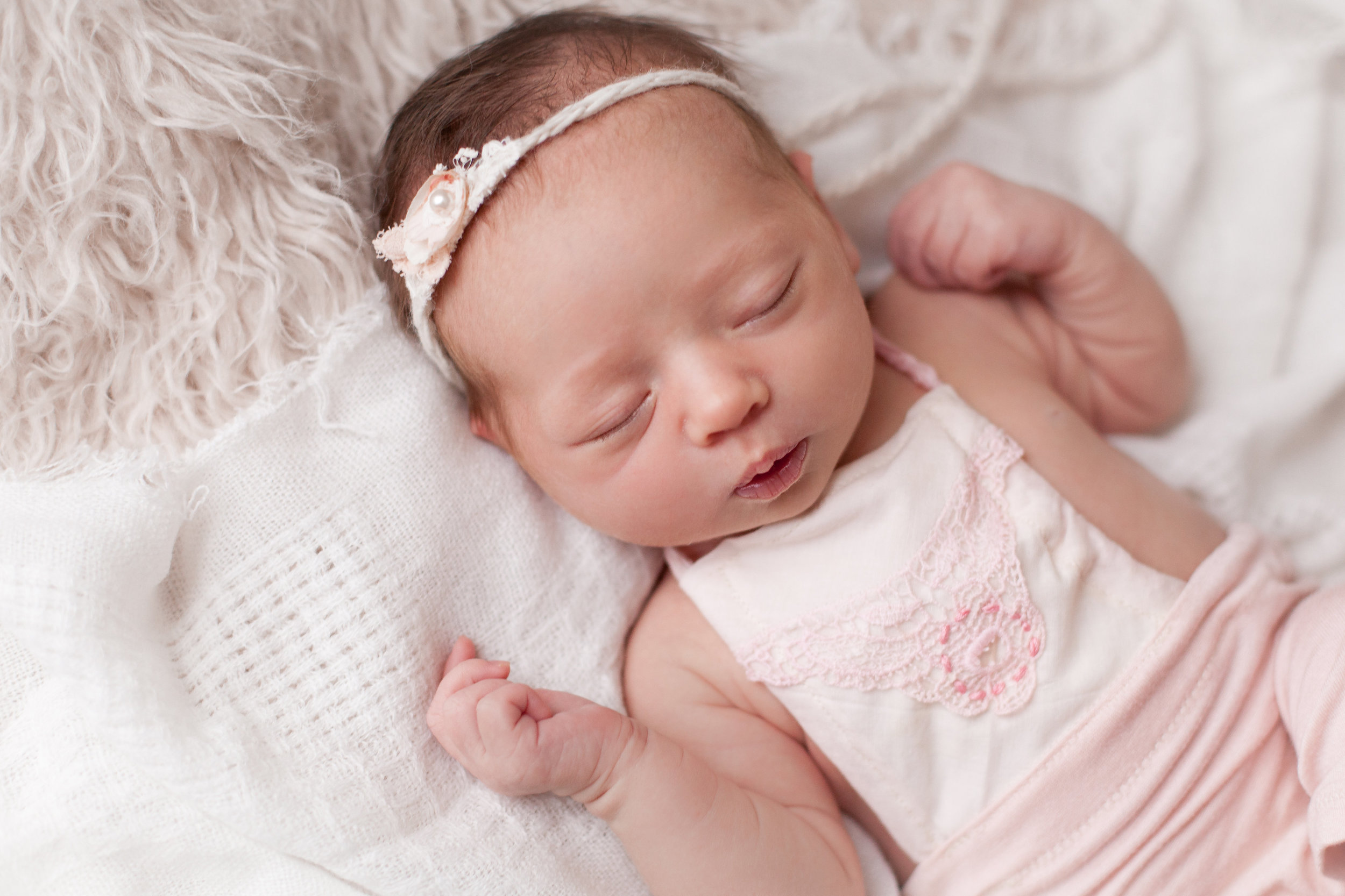 Lilly Newborn 2015-0028.jpg