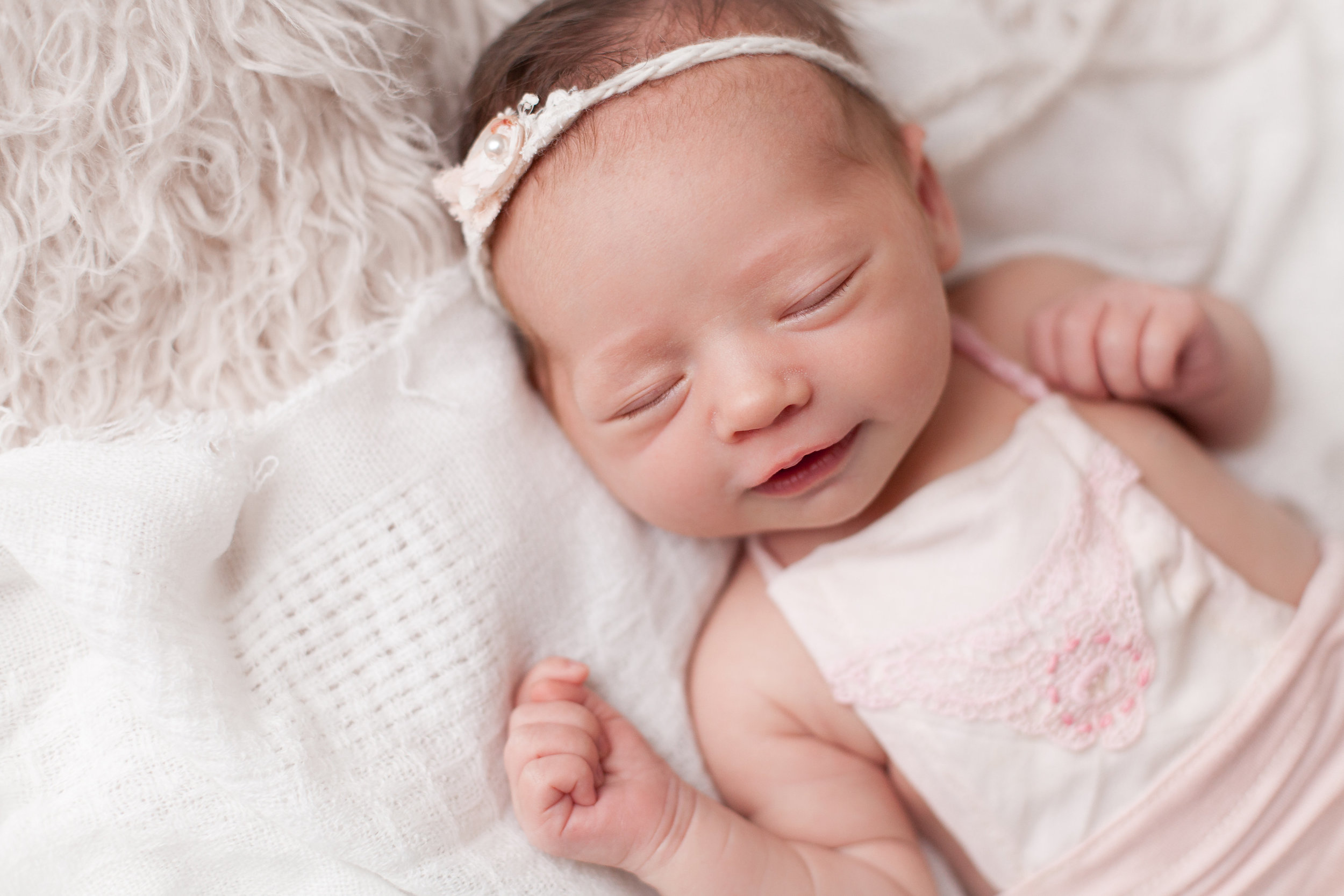 Lilly Newborn 2015-0030.jpg