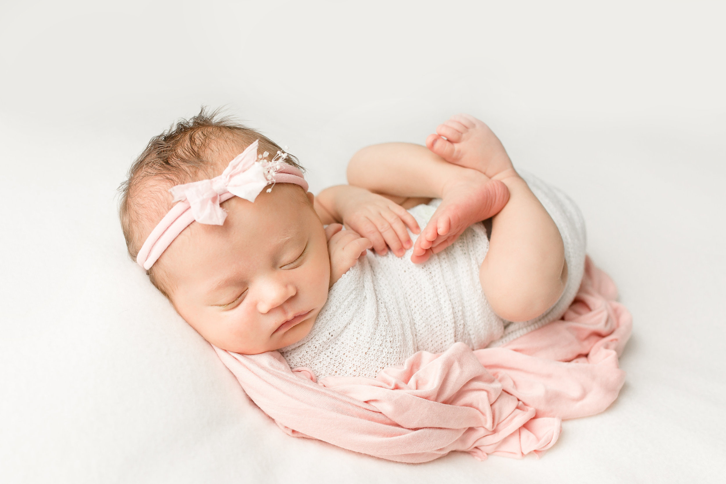 newborn-photography-pink-columbus-ohio-newborn-photographer