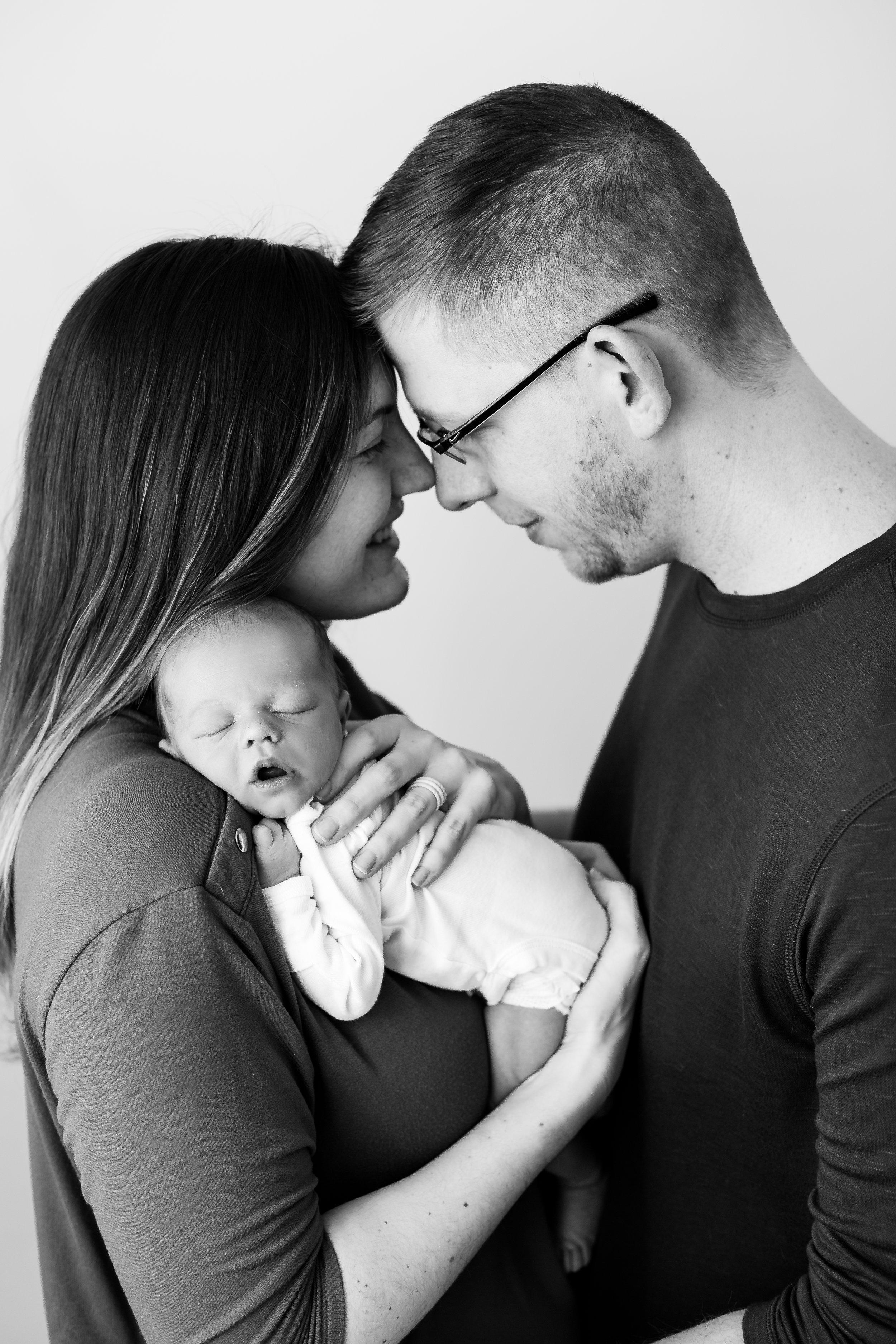 theodore-columbus-newborn-photographer-12.jpg