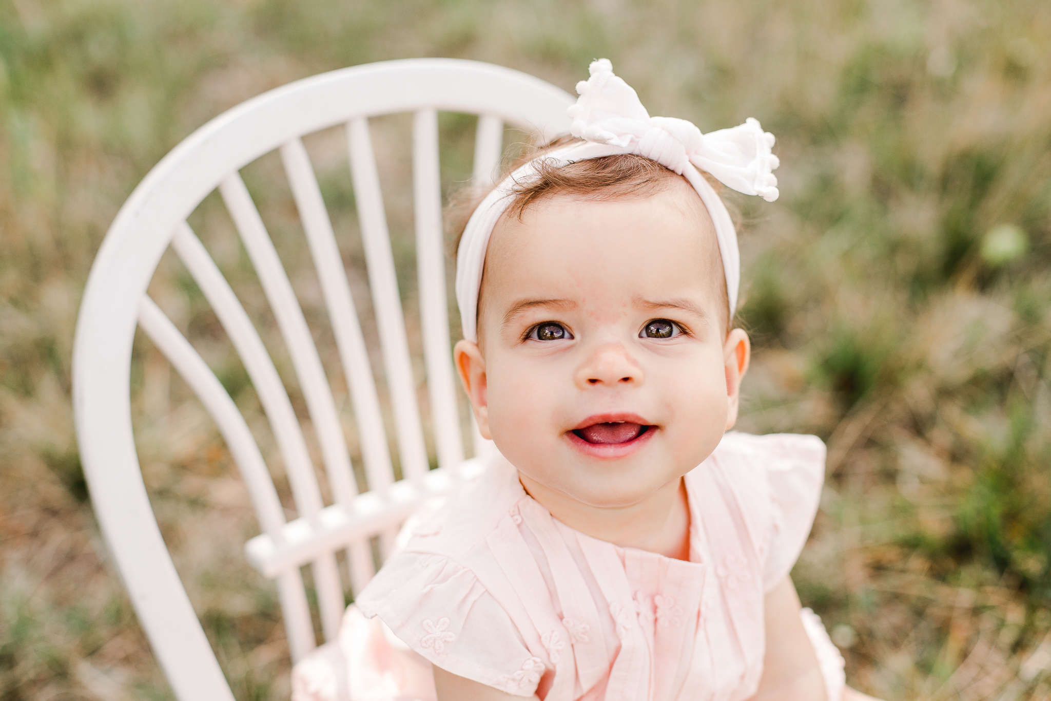Sarah Cropper Photography Baby Photo in a field