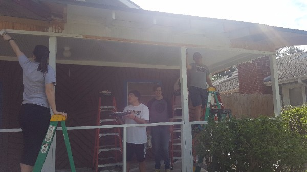 Painting a newly constructed porch with Serve 901