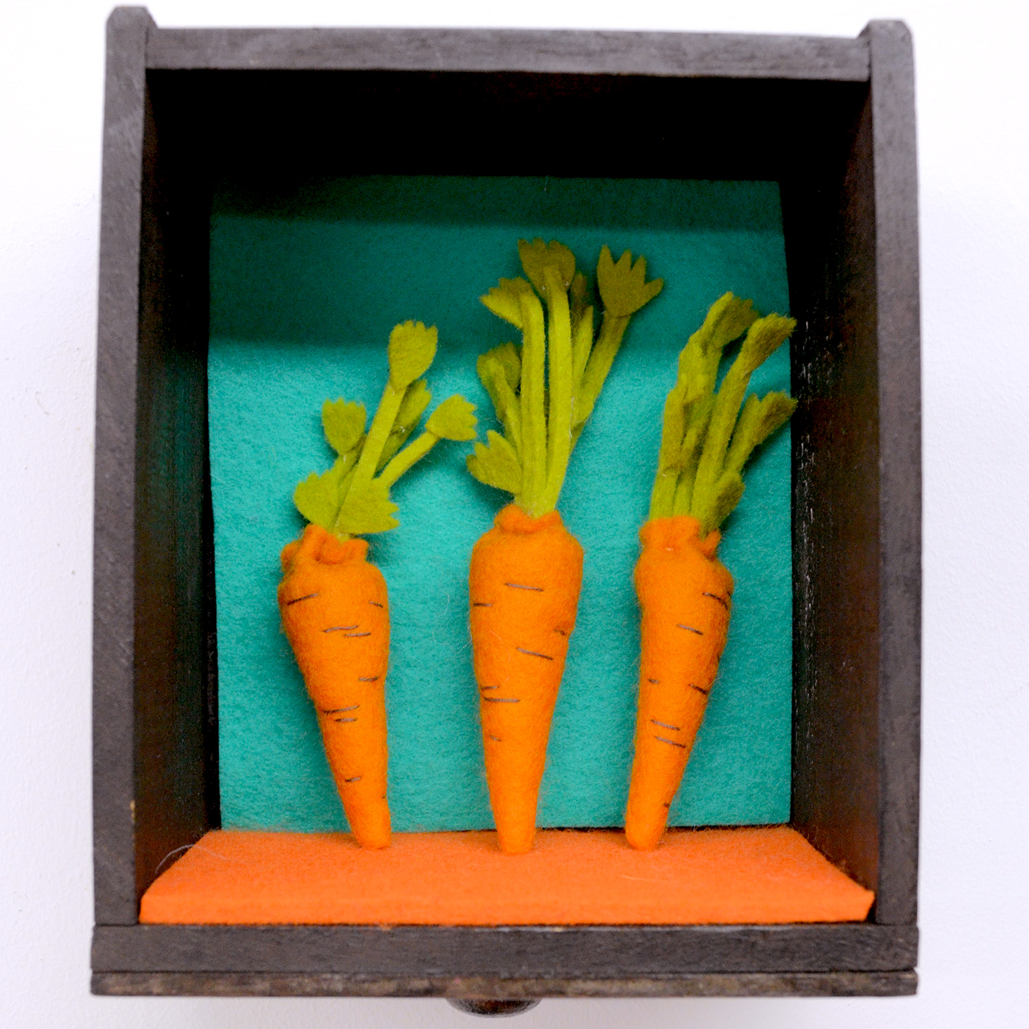 Play food felt carrots by Laura Mirjami | Mirjami Design