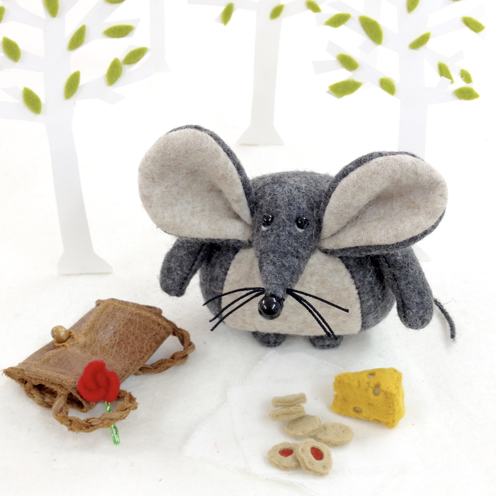 Bilberry Woods character Mika the Mouse by Laura Mirjami | Mirjami Design