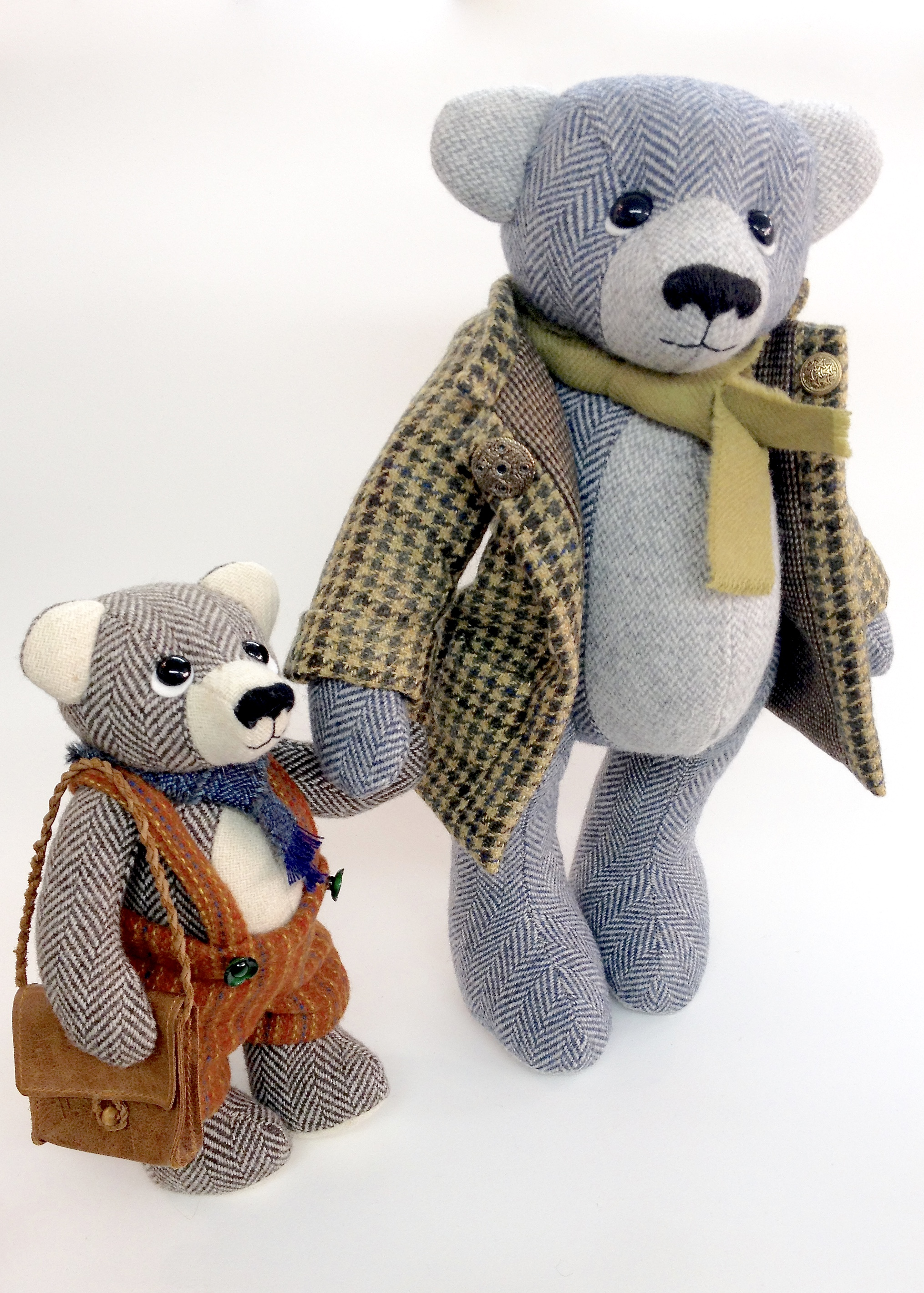 Artist tweed teddy bears by Laura Mirjami | Mirjami Design