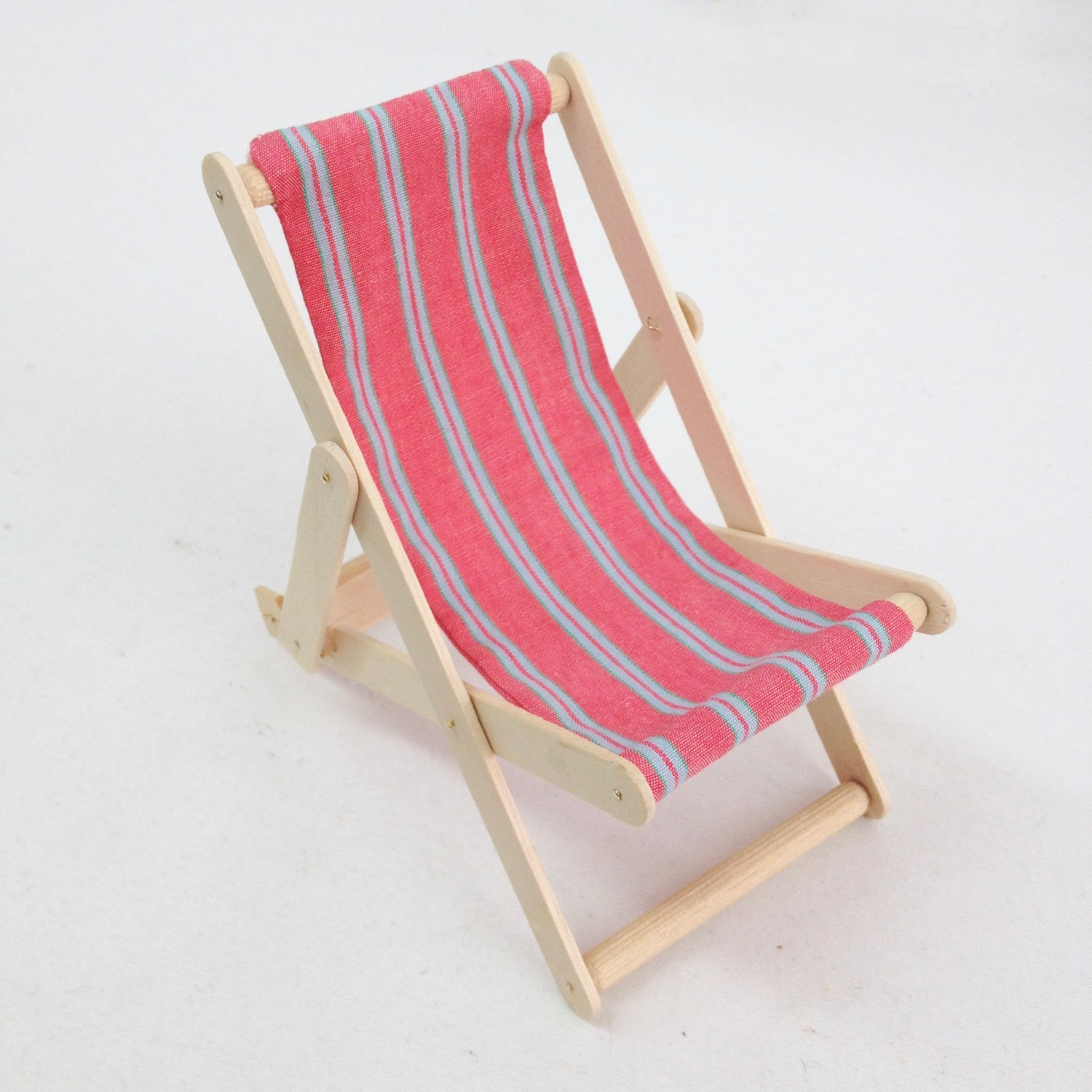 And there you are, a nice little deck chair!